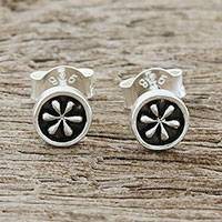 Sterling silver stud earrings, 'Daisy Circles' - Petite Floral Sterling Silver Stud Earrings from Thailand