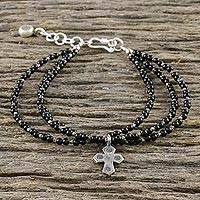 Onyx beaded bracelet, 'Simply Believe' - Onyx Beaded Cross Bracelet from Thailand