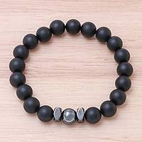 Onyx beaded stretch bracelet, 'Black Sky' - Black Onyx Beaded Stretch Bracelet from Thailand