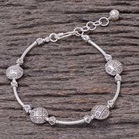 Silver beaded bracelet, 'Hill Tribe Discs' - Circle Motif Karen Silver Beaded Bracelet from Thailand