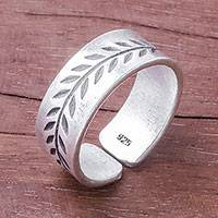 Sterling silver band ring, 'Natural Branch' - Leaf Pattern Sterling Silver Band Ring from Thailand