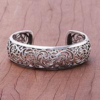 Sterling silver cuff bracelet, 'Elegant Garland' - Vine Pattern Sterling Silver Cuff Bracelet from
