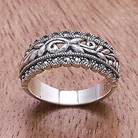 Sterling silver band ring, 'Gleaming Garland'