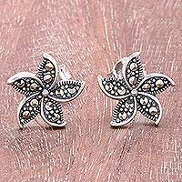 Sterling silver stud earrings, 'Glittering Flowers' - Floral Sterling Silver Stud Earrings Crafted in Thailand