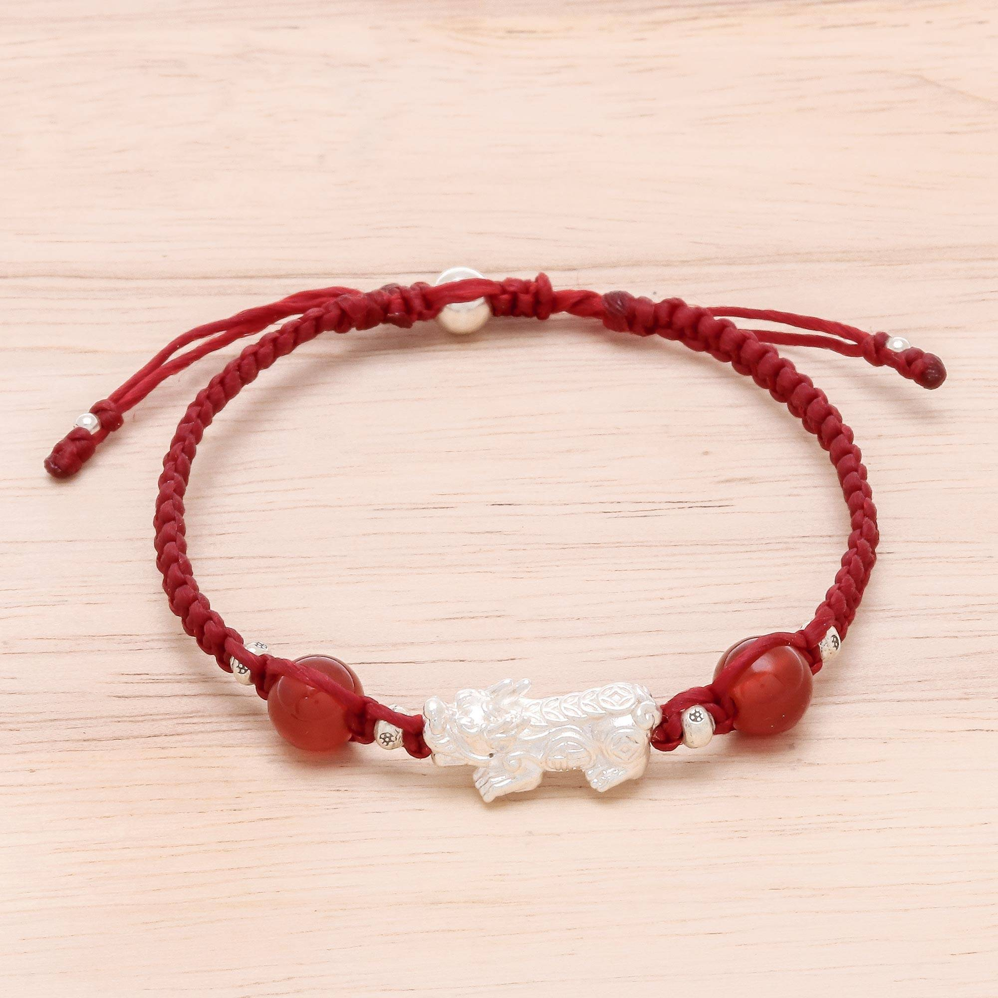 Carnelian Macrame Pendant Bracelet