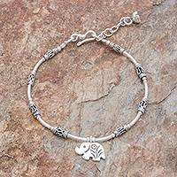 Silver beaded bracelet, 'Roaming Elephant' - Elephant-Themed Silver Beaded Bracelet from Thailand