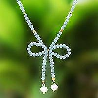 Quartz and cultured pearl beaded lariat necklace, 'Lovely Bow in Green' - Green Quartz and Cultured Pearl Beaded Lariat Necklace