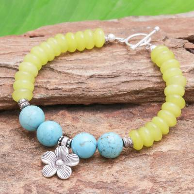 Agate beaded charm bracelet, 'Daisy in the Sunshine' - Yellow Agate Bracelet with Hill Tribe Silver Flower Charm