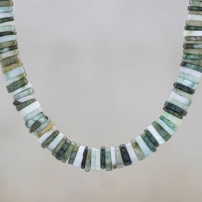 Jade beaded necklace, 'Elegant Stones in Green' - Jade Beaded Necklace in Green from Thailand