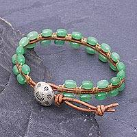 Quartz and leather beaded bracelet, 'Pa Sak Valley' - Leather and Green Quartz Beaded Bracelet