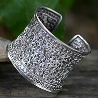 Sterling silver cuff bracelet, 'Floral Sparkle' - Handmade Thai Sterling Silver Cuff Bracelet